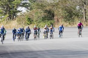レース序盤の先頭集団